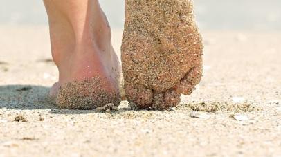 picioare-nisip