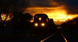 tren-noapte.jpg